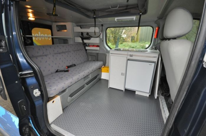 kurzurlaub mit dem typ 4 wohnmobil 15876194. Black Bedroom Furniture Sets. Home Design Ideas