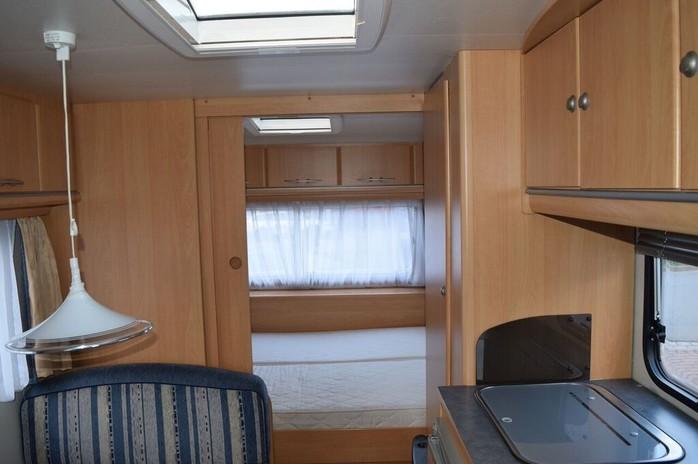 Wohnwagen Mit Etagenbett Für Erwachsene : Adria wohnwagen mit etagenbetten campanda