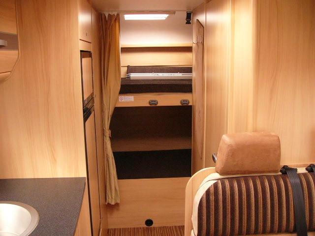 Reisemobil Etagenbett : Sunlight a68 familienfreundliches 20061677 campanda.de
