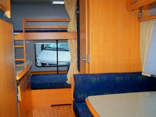 Wohnwagen Etagenbett Maße : Lmc 510 mdk wohnwagen mit stockbett 37115522 campanda.de