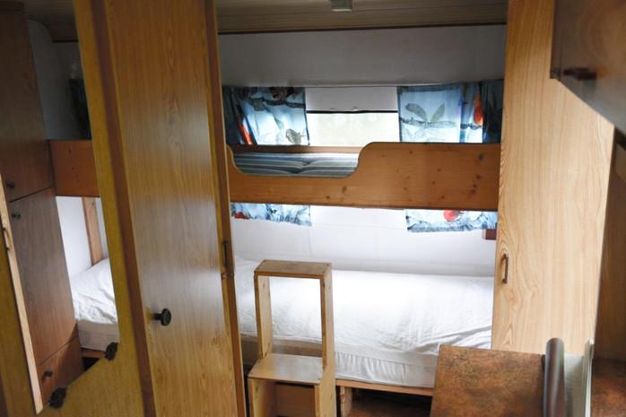 Wohnwagen Mit Etagenbett Günstig : Bürstner club wohnwagen u cdr zu d mit campanda