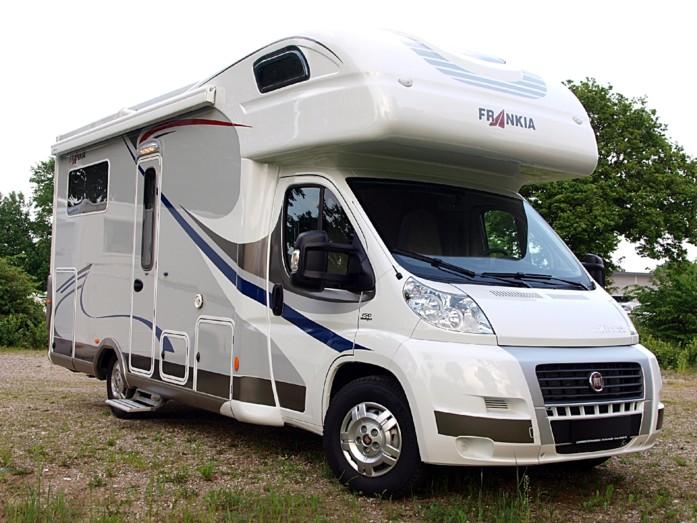 luxus alkoven frankia 680 50 plus mit einzel l ngsbetten jetzt das wohnmobil mit campanda. Black Bedroom Furniture Sets. Home Design Ideas