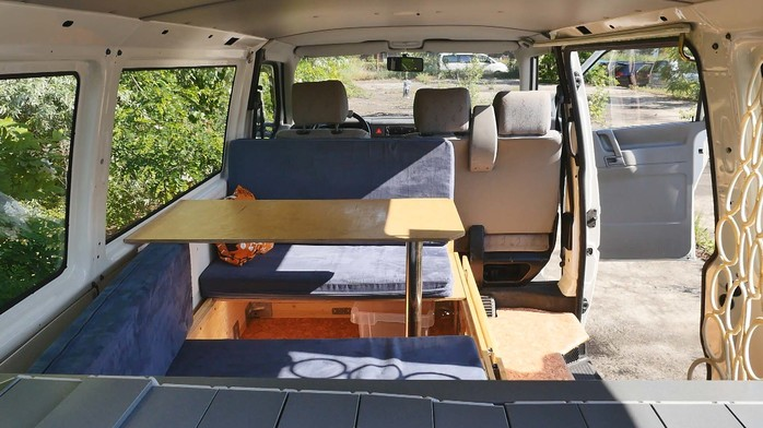 vw bus t camper ausbau traumtrips vw bus t womo ausbau. Black Bedroom Furniture Sets. Home Design Ideas