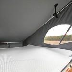 Schlafbereich im Dachzelt eines Westfalia Campers