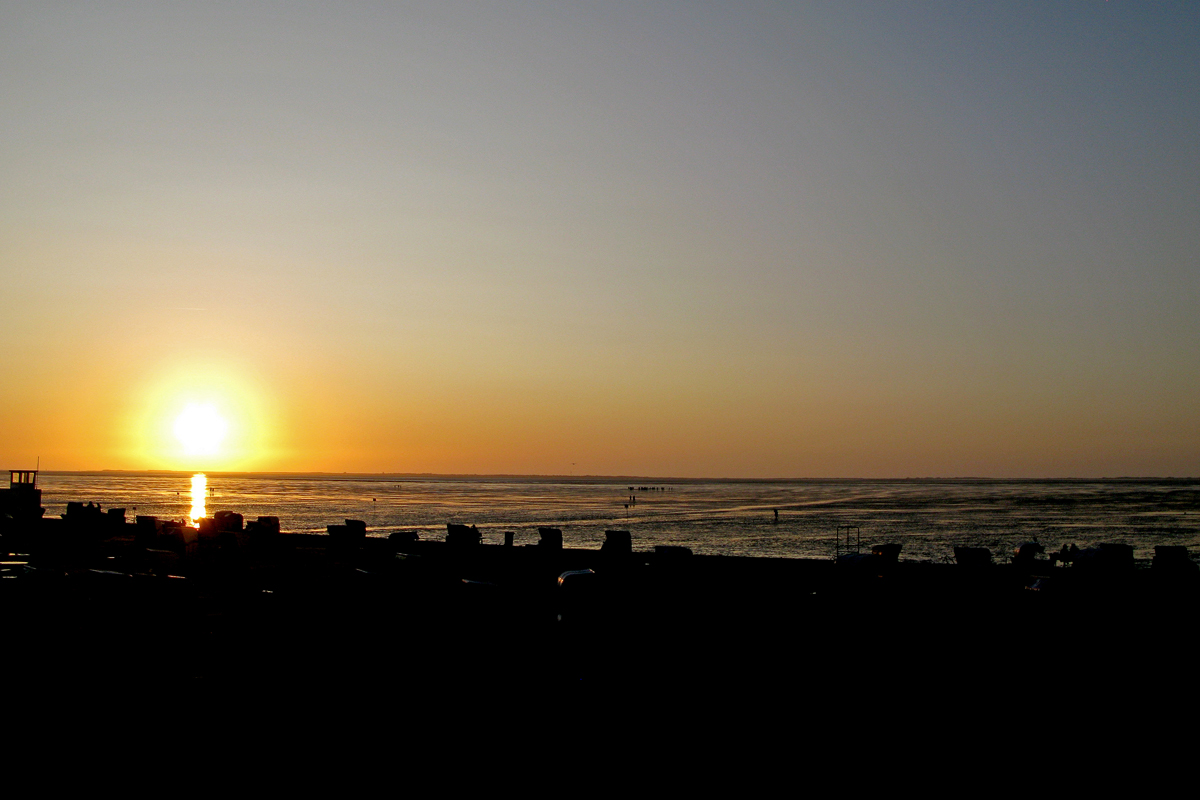 Sonnenuntergang am Stellplatz von Harlesiel