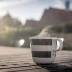 Kaffeetasse draußen