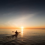 Kanu bei Sonnenuntergang