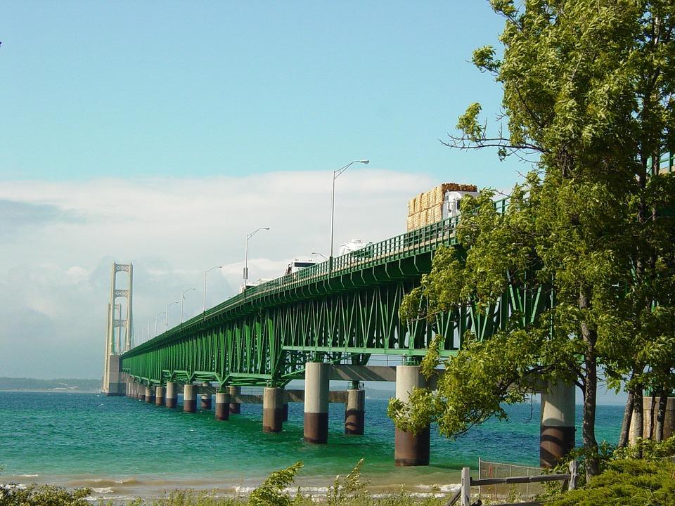 Brücke Michigan See