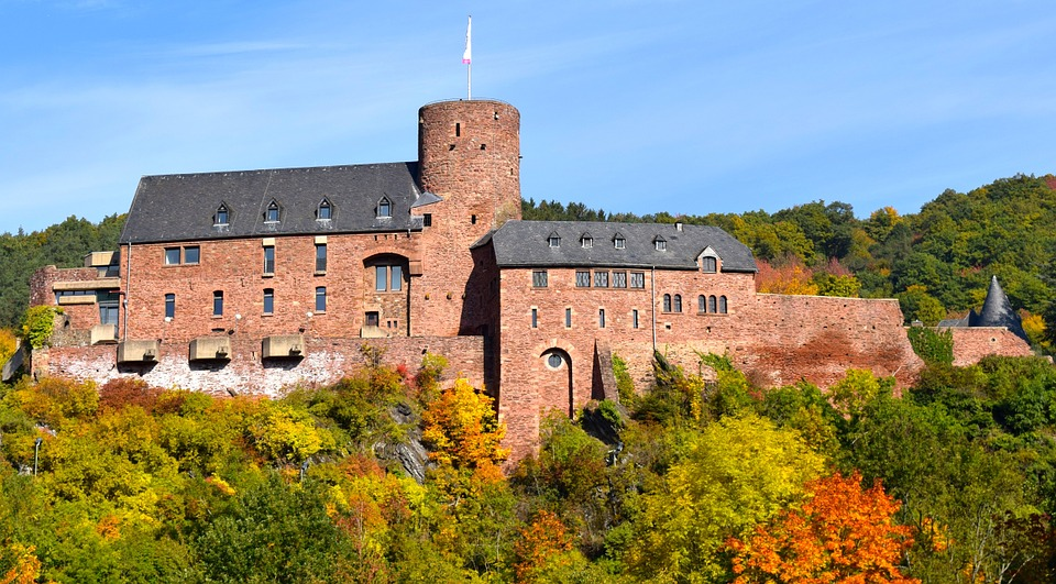 Burg in der Eifel