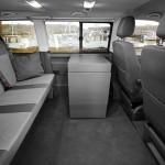 Buerobox-und-bis-zu-7-Sitzplaetze-im-Custom-Bus2