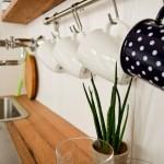 Karl_Tassenhalterung in Küche