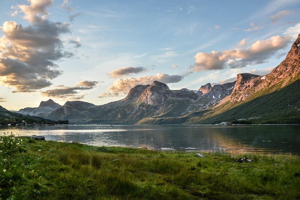 Berge und See