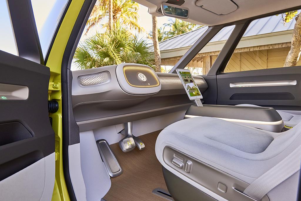 VW ID Buzz Fahrerseite