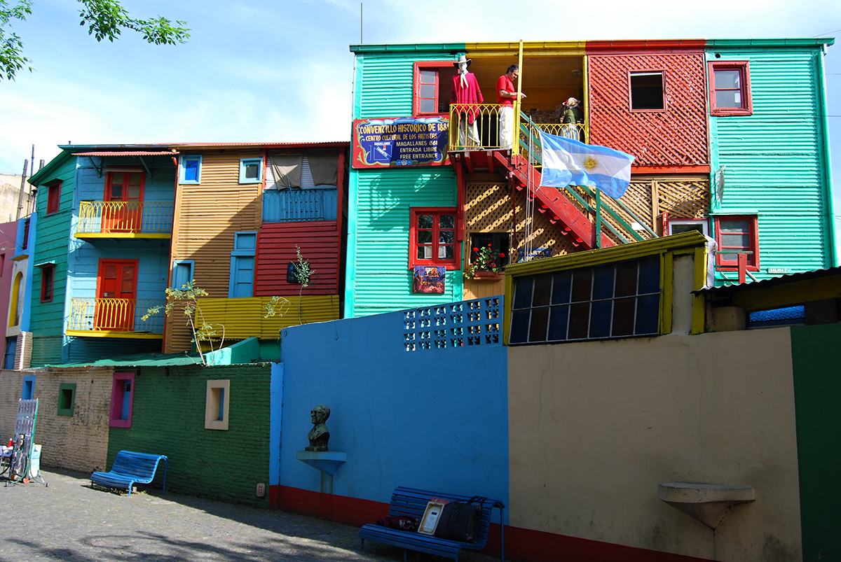 Bunte Häuser im Viertel La Boca