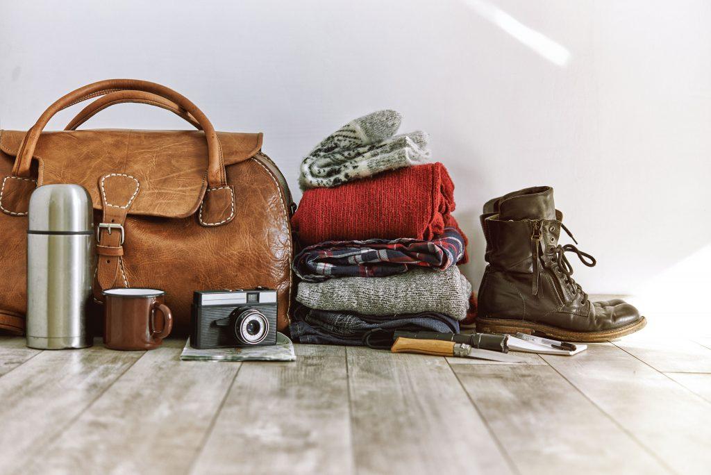 Bei Gepäckbeschränkungen im Flugzeug, gilt es, wirklich nur das Nötigste mitzunehmen.