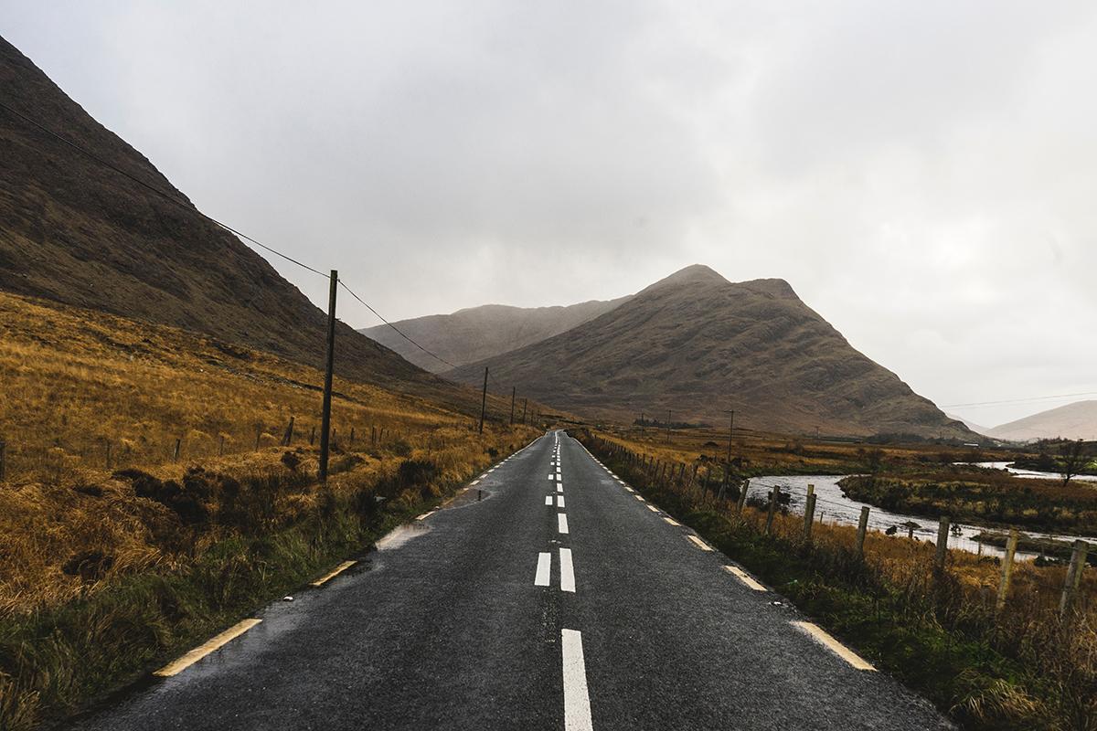 Wohnmobil mieten und den Wild Atlantic Way in Irland erkunden