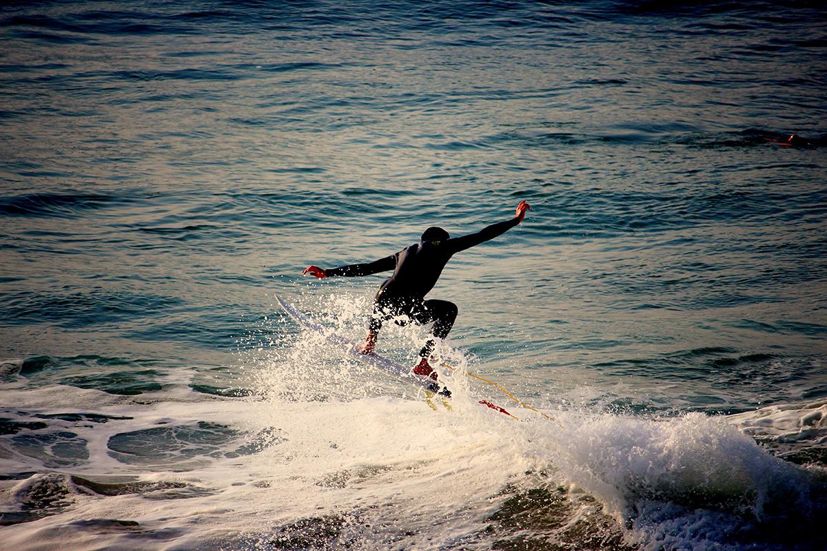 Surfer beim Wellenritt