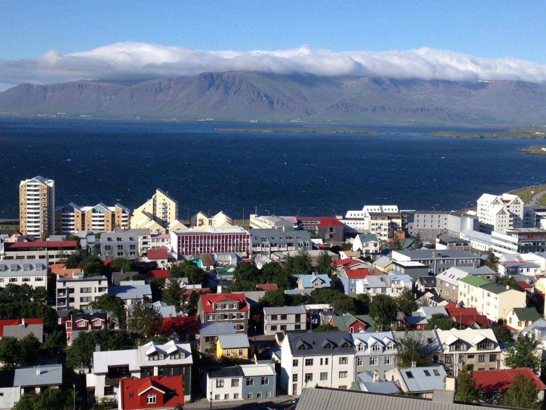 Blick von oben auf Reykjavik.