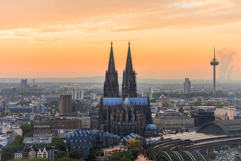 Die Skyline Köln mit dem Kölner Dom.