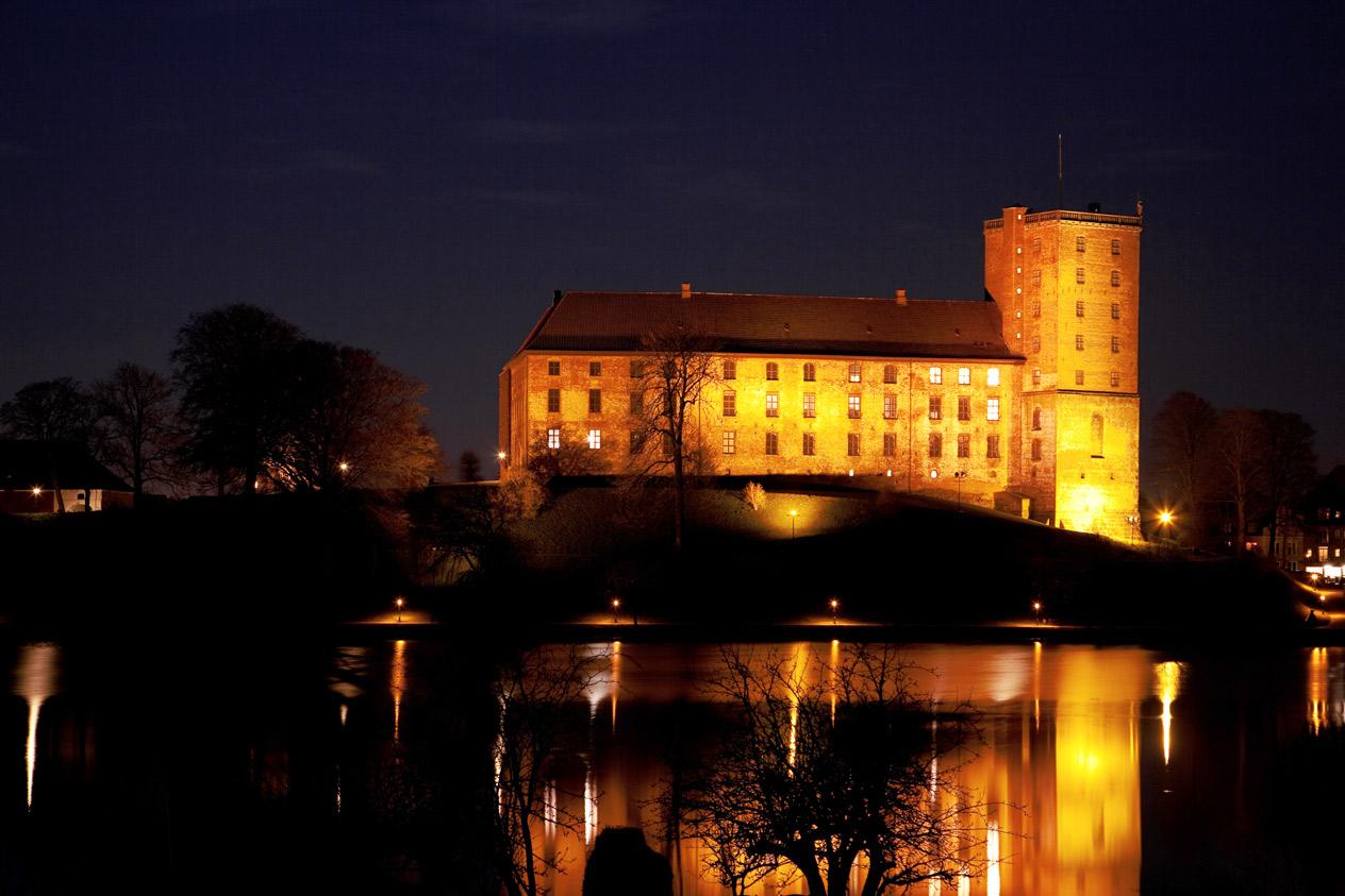 Schloss Koldinghus bei Nacht.