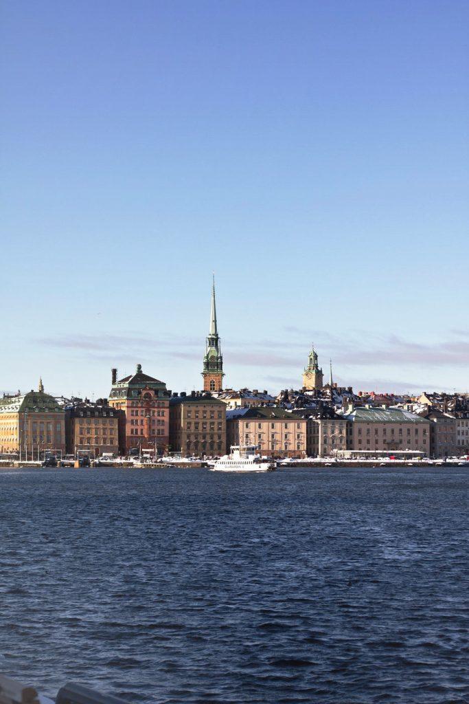 Eine Ansicht von Stockholm, von Wasser aus aufgenommen.