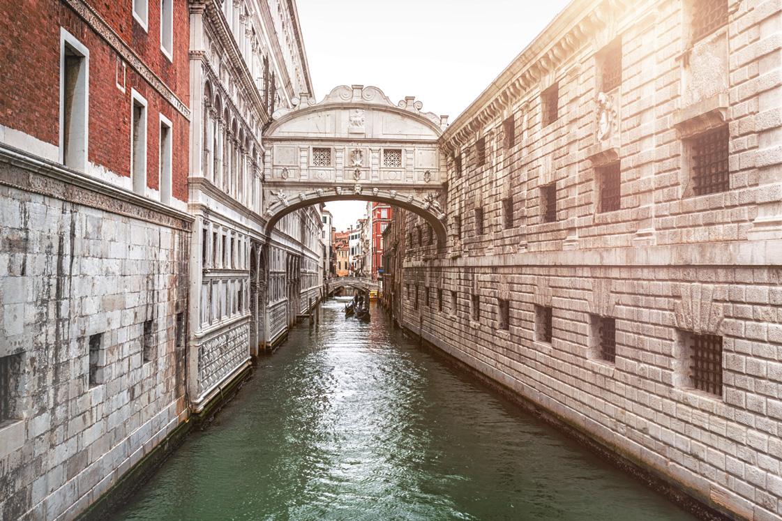 Ein Kanal in Venedig, Italien.