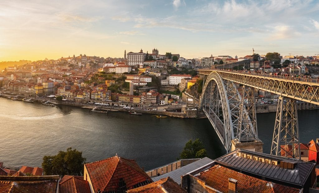 Blick auf Porto mit Brücke Ponte Luis I