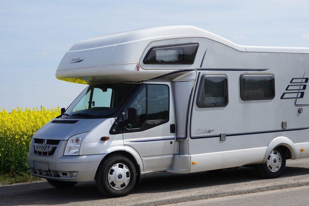 Wohnmobil Alkoven unterwegs in der Bretagne